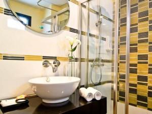 Glitz Hotel Bangkok 01