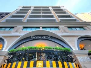 Skyy Hotel 01